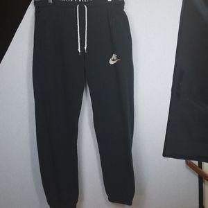 Nike men Sweat pants Size XL Black used.